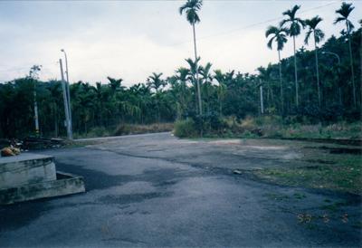 本院現今前門外,在1999年的環境
